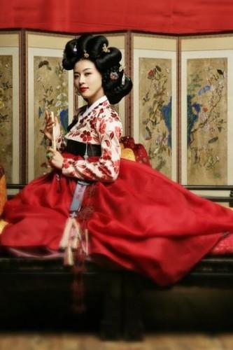 The famous kisaeng Hwang Jin-I played by South Korean actress Ha Ji-Won in a TV drama, from Chosun
